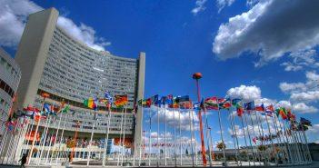 Порошенко давит на судей, за посты в соцсетях сажают, а украинизация идет грубо. Главные претензии ООН к правам человека в Украине